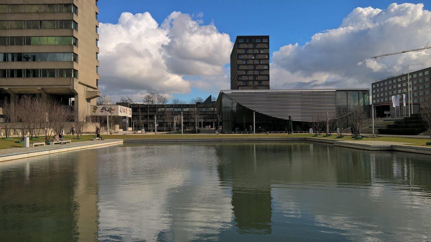 Erasmus University Rotterdam Campus_Water