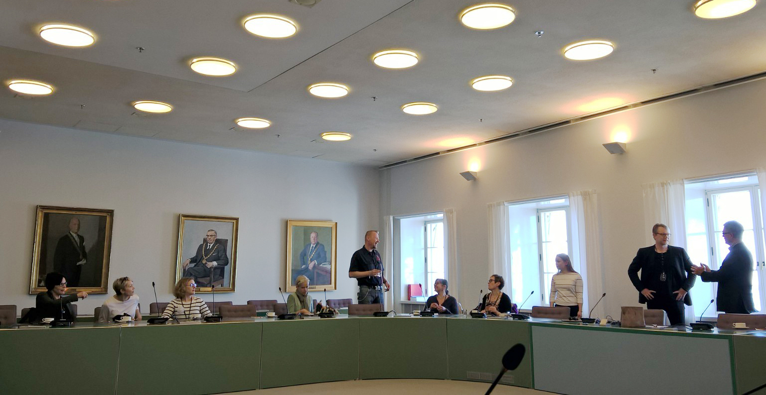 Wrap-up meeting for the Netherlands study trip at Helsinki City Hall
